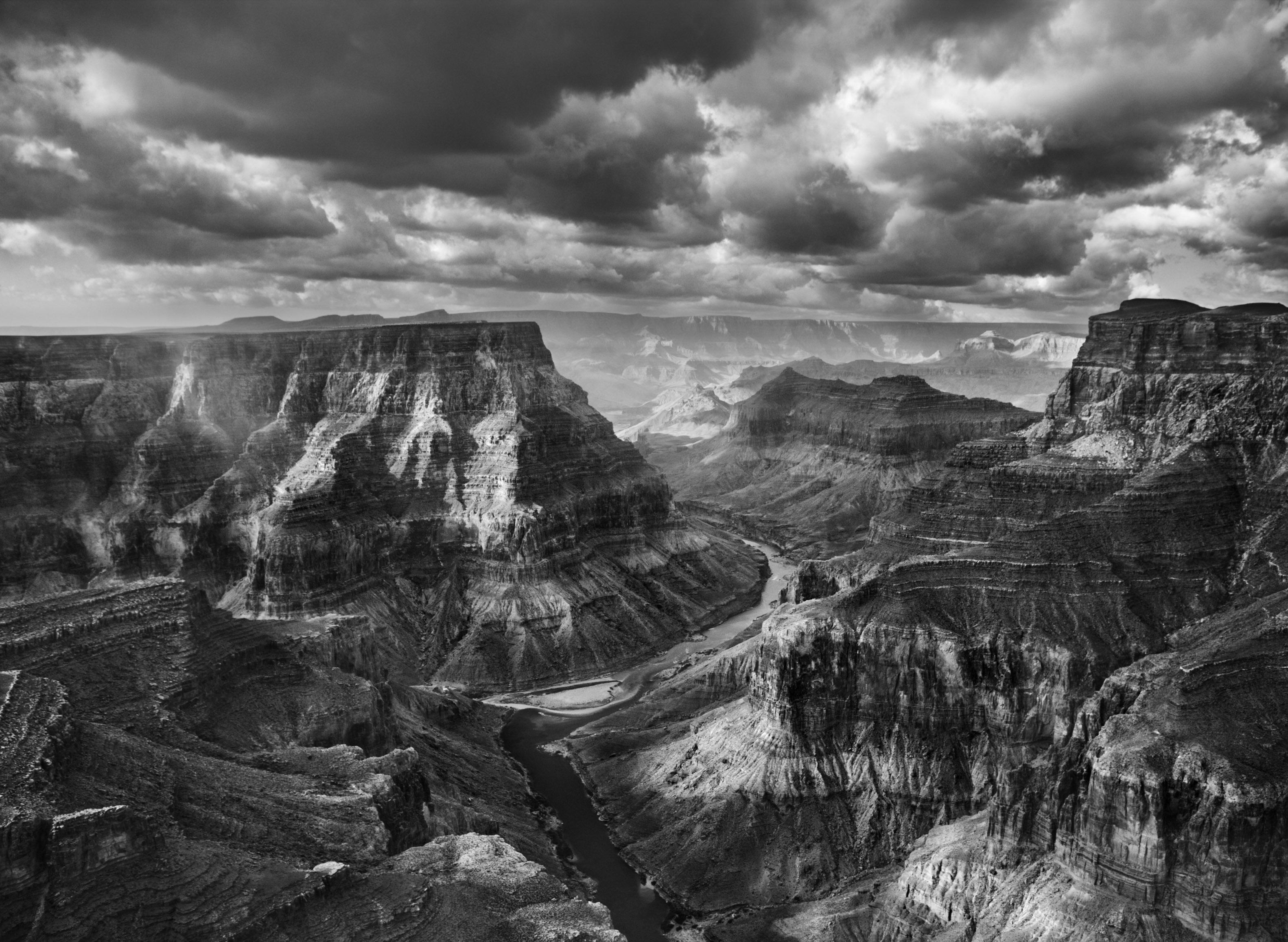 <p>Vista da confluência dos rios Colorado e Little Colorado, a partir do território navajo. O Parque Nacional do Grand Canyon começa após esta junção. Arizona, EUA. 2010.</p>