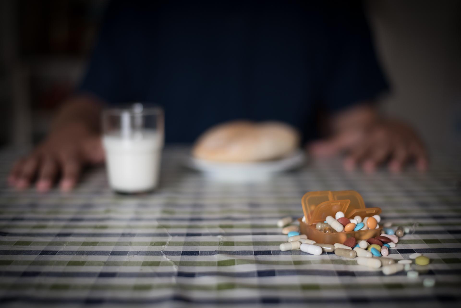 <p>279.682.454 é o número de doses diárias consumidas, em Portugal Continental, associadas a medicamentos ansiolíticos,  hipnóticos  e  sedativos.  No  caso  dos antidepressivos, este  número  é ainda  mais  elevado (2013).</p>