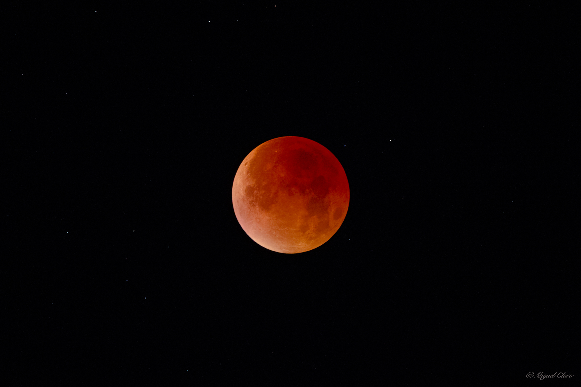 <h5>The Red Moment of the Totality</h5>