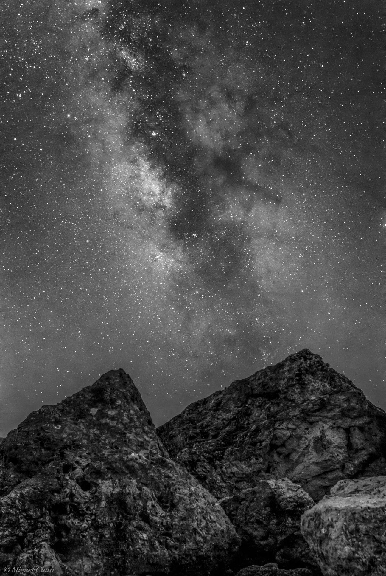 <h5>Black Via & White Láctea</h5>