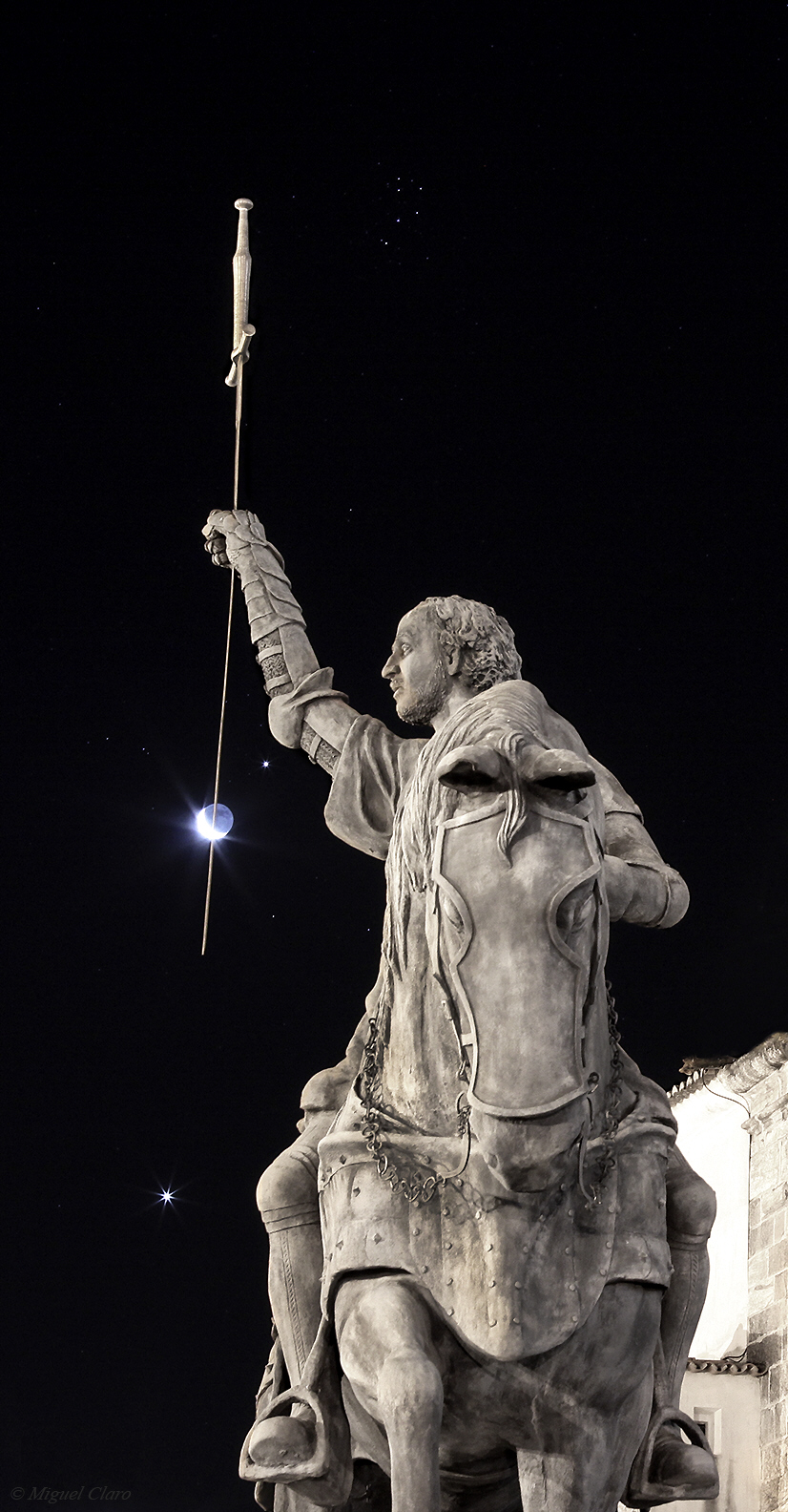 <h5>The Sword alignment – Venus, Moon, Jupiter and Pleiades</h5>