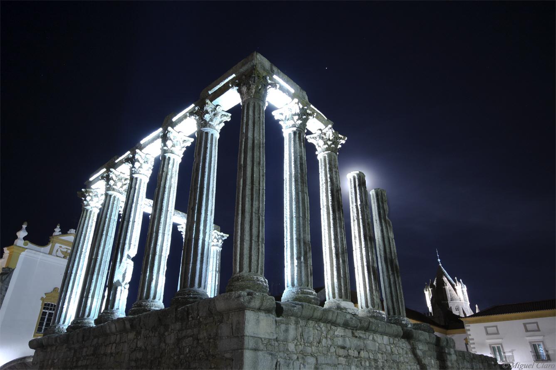 <h5>Diana´s Temple Moon – Évora (Still image)</h5>