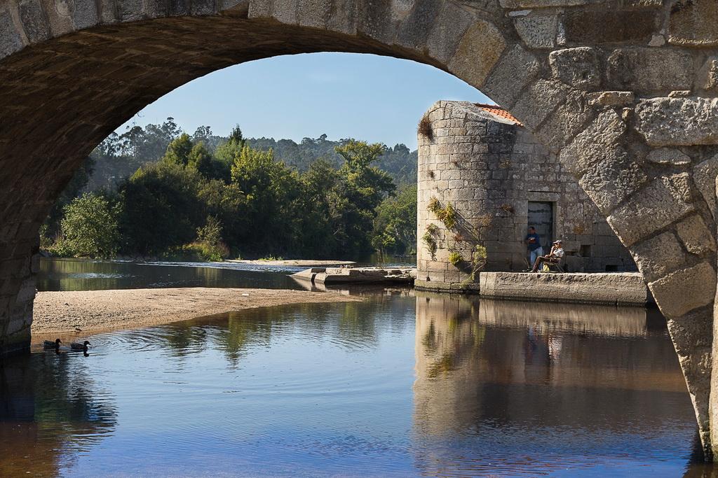"""<h5>1º Prémio: """"Serenidade"""", Ponte D. Zameiro</h5><p>António Costa Pinto - """"Mares""""</p>"""