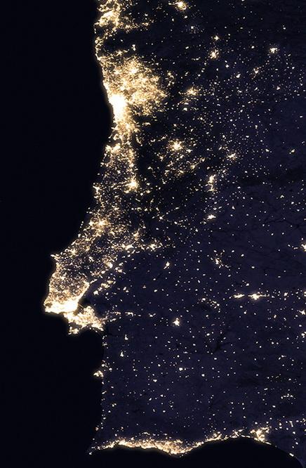 <h5>Portugal</h5><p>Vista de Portugal à noite. Fonte: NASA</p>