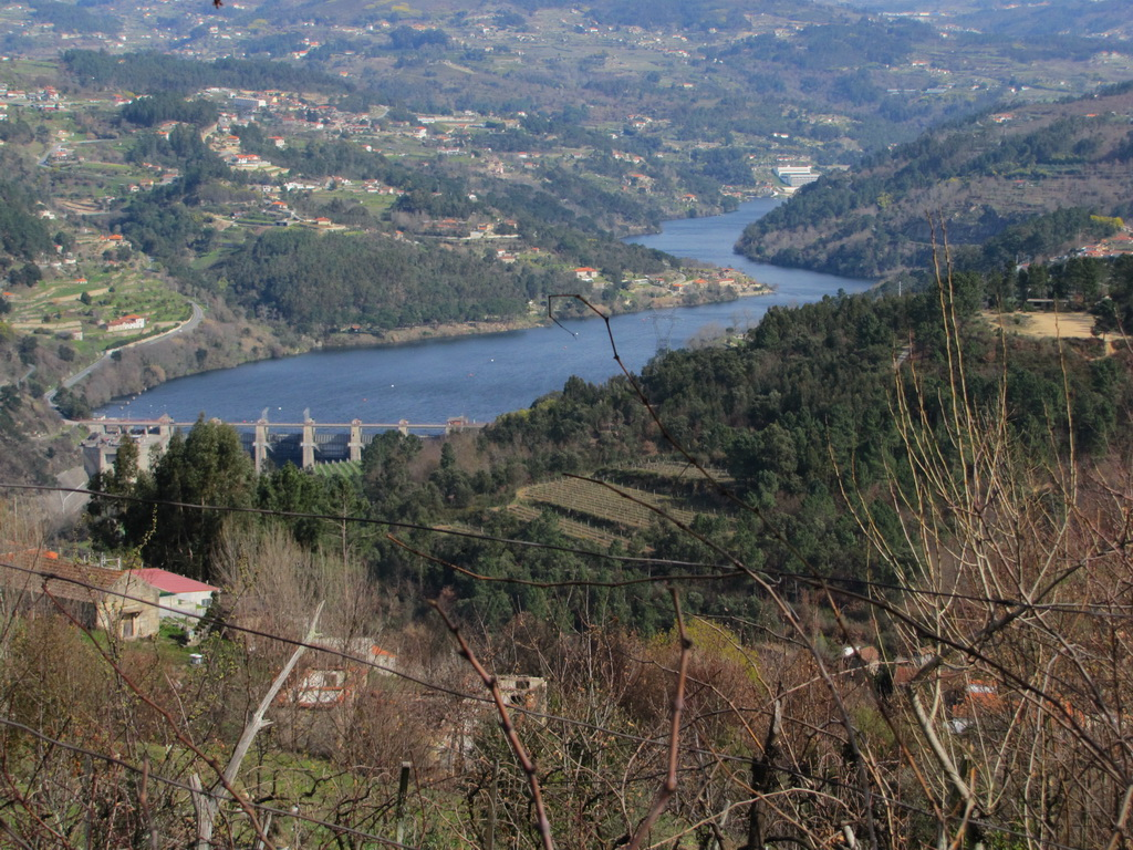 <h5>A enlaçar o Douro...</h5>