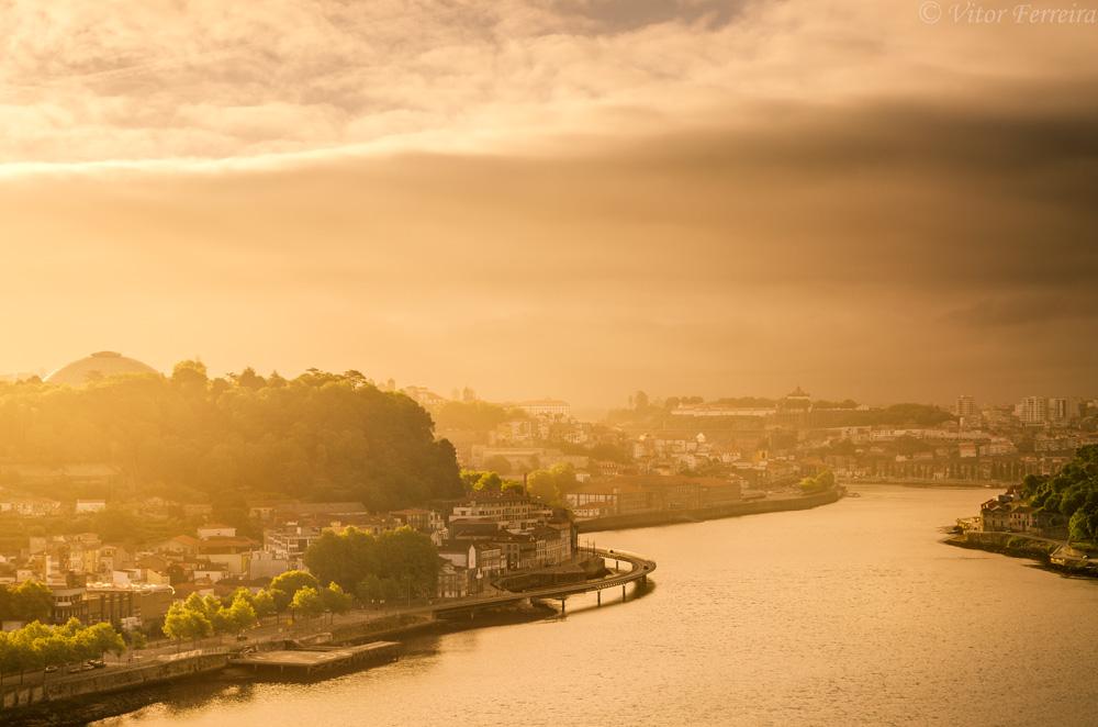 <h5>Sun Kissed City</h5>